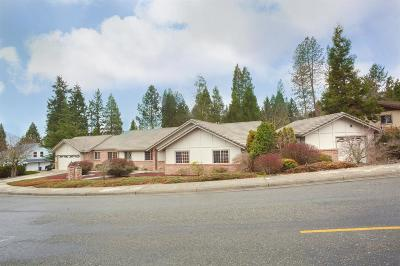 Josephine County Single Family Home For Sale: 1017 NW Regent Drive