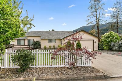Rogue River Single Family Home For Sale: 500 Cedar Street
