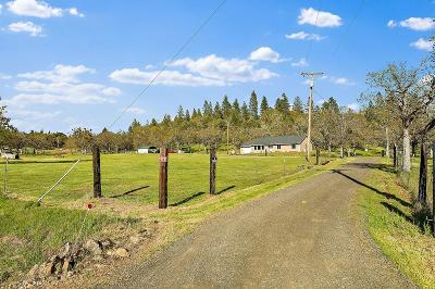 Jackson County, Josephine County Single Family Home For Sale: 13354 Duggan Road