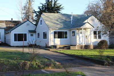 Grants Pass Single Family Home For Sale: 775 NW 3rd Street