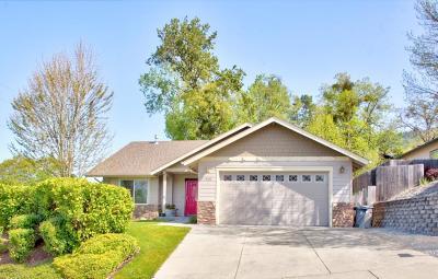Josephine County Single Family Home For Sale: 1400 NE Jennifer Way