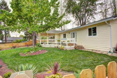 Grants Pass Single Family Home For Sale: 1616 NW Highland Avenue