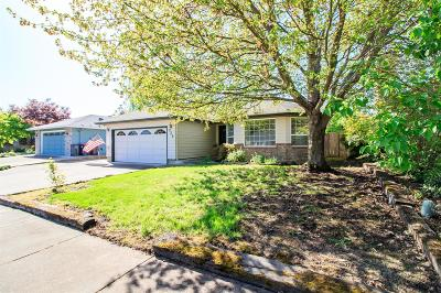 Central Point Single Family Home For Sale: 936 Juanita Way