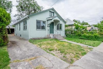Medford Single Family Home For Sale: 629 Pine Street
