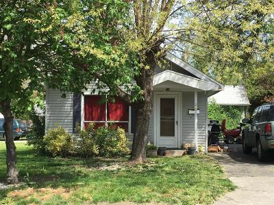 Jackson County, Josephine County Single Family Home For Sale: 801 Newtown Street