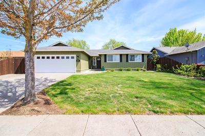 Medford Single Family Home For Sale: 2576 Whittle Avenue