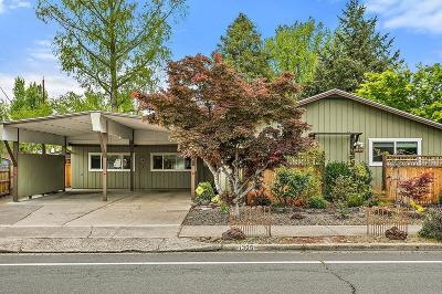 Medford Single Family Home For Sale: 1325 Siskiyou Boulevard