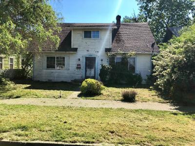 Jackson County, Josephine County Single Family Home For Sale: 320 S Ivy Street