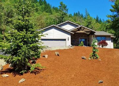 Grants Pass Single Family Home For Sale: 420 Riverbanks Road