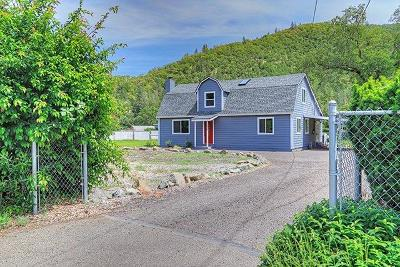 Jackson County, Josephine County Single Family Home For Sale: 1235 Rogue River Hwy