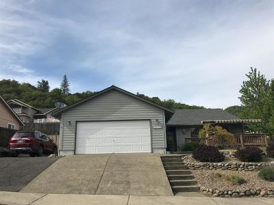 Rogue River Single Family Home For Sale: 607 Lia Way