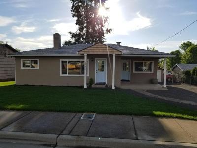 Jackson County, Josephine County Single Family Home For Sale: 120 N Ninth Street
