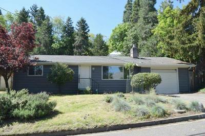 Jackson County, Josephine County Single Family Home For Sale: 630 Holly Street