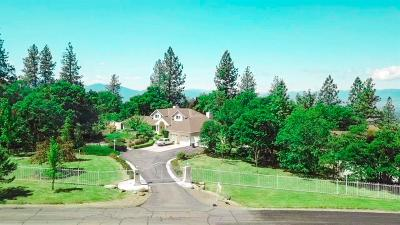 Medford Single Family Home For Sale: 6445 Laurelcrest Drive