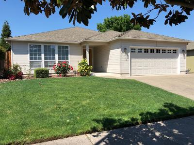 Medford Single Family Home For Sale: 1716 Westwood Drive