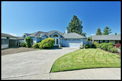 Medford OR Single Family Home For Sale: $284,900