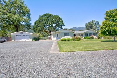 Rogue River Single Family Home For Sale: 6085 East Evans Creek Road