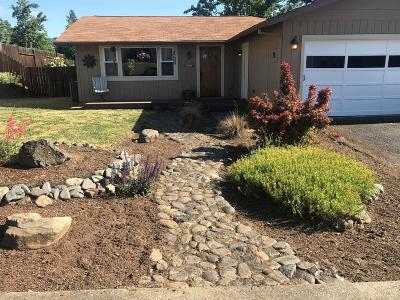 Grants Pass Single Family Home For Sale: 1025 NE Dewey Drive