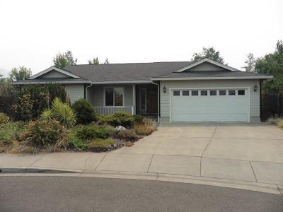 Ashland Single Family Home For Sale: 741 Salishan Court
