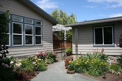 Grants Pass Single Family Home For Sale: 626 Roguelea Lane