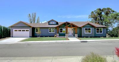 Medford Single Family Home For Sale: 2531 Herrington Way