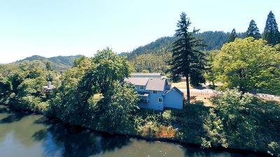 Gold Hill Single Family Home For Sale: 5298 Rogue River Highway