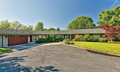 Medford Single Family Home For Sale: 2948 Hillcrest Road