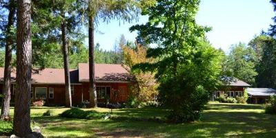 Cave Junction Single Family Home For Sale: 5370 Caves Highway
