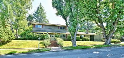 Medford Single Family Home For Sale: 2324 Brentwood Street