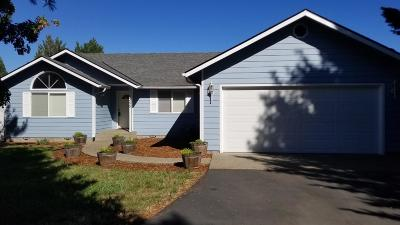 Grants Pass Single Family Home For Sale: 1355 Shady Lane