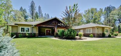Grants Pass Single Family Home For Sale: 121 Torrey Pines Road