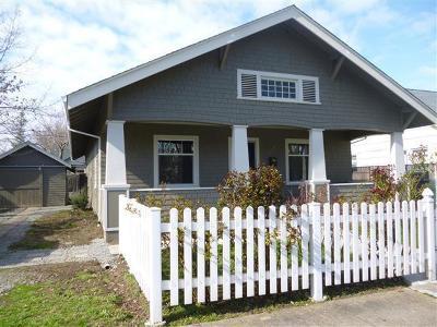Medford Single Family Home For Sale: 51 N Peach Street