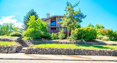 Medford Single Family Home For Sale: 2408 Argonne Avenue