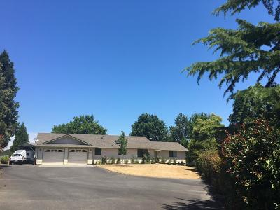 Grants Pass OR Single Family Home For Sale: $315,000