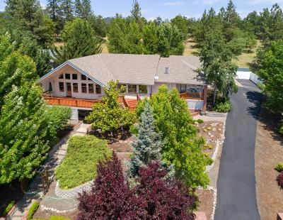 shady cove Single Family Home For Sale: 7461 Rogue River Drive