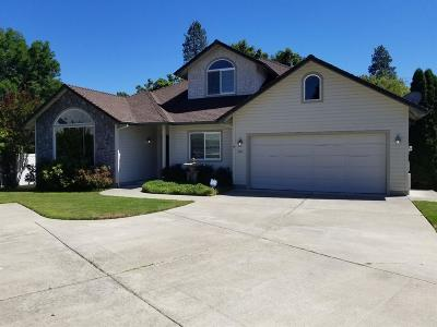 Grants Pass OR Single Family Home For Sale: $525,000