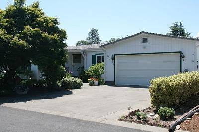 Grants Pass OR Single Family Home For Sale: $229,900