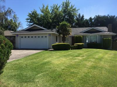 Medford OR Single Family Home For Sale: $329,900