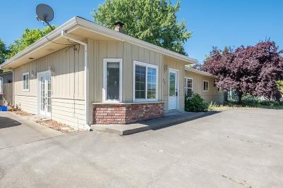 Jackson County, Josephine County Single Family Home For Sale: 901 Maple Park Drive