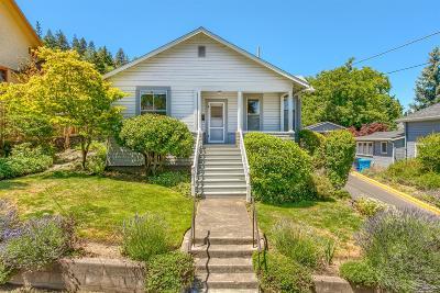 Ashland Single Family Home For Sale: 41 Gresham Street