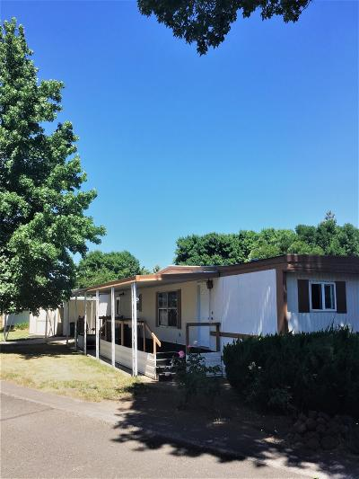 Jackson County, Josephine County Mobile Home For Sale: 2385 Table Rock Road #19