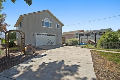 Medford Single Family Home For Sale: 2325 Kings Highway