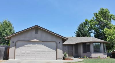 Grants Pass Single Family Home For Sale: 906 NW Carol Drive