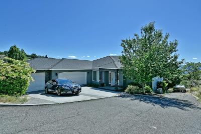 Medford Single Family Home For Sale: 1389 Highcrest Drive