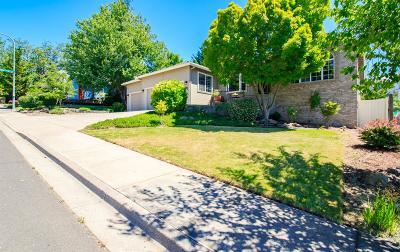 Medford Single Family Home For Sale: 5664 Cherry Lane Lane