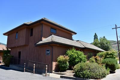Grants Pass OR Commercial For Sale: $595,000