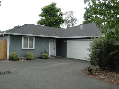 Grants Pass OR Single Family Home For Sale: $244,900