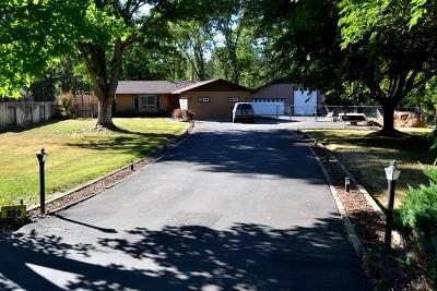 Grants Pass Single Family Home For Sale: 220 Willow Creek Lane