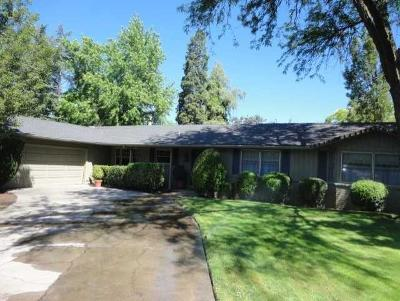 Medford Single Family Home For Sale: 2109 Woodlawn Drive