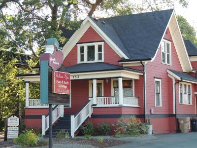 Grants Pass OR Commercial For Sale: $415,000